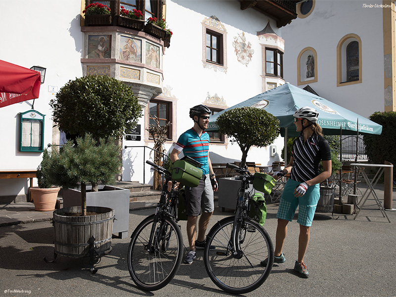 Cycling trip along Inn Cycle Route in Tyrol, custom made to your desires. Chose how many kilometres per day you want to ride your bicycle.